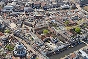 Nederland, Zuid-Holland, Leiden, 09-04-2014; Marekerk met water van Oude Vest. Boven in beeld Stille Rijn, Oude Rijn.<br /> Center of the city of Leiden with mills and the river Rhine.<br /> luchtfoto (toeslag op standard tarieven);<br /> aerial photo (additional fee required);<br /> copyright foto/photo Siebe Swart.
