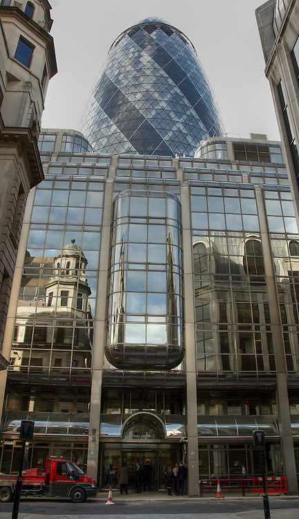 Alexander Forbes House and the Swiss Re Tower in London financial district<br />