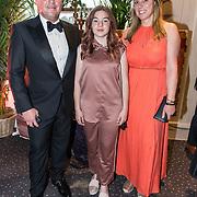 NLD/Hilversum/20190521 - Premiere Aladdin Gala Night, Martijn Krabbe en partner Deborah Wietzes en zijn dochter