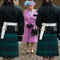 Her Majesty Queen Elizabeth II visits  HQ of The Argyll and Sutherland Highlanders.Ceremony of the Keys and Royal Salute. Stirling Castle. Stirling Scotland 3rd July 2007