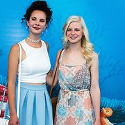 NLD/Amsterdam20160622 - Filmpremiere première van Disney Pixar's Finding Dory, Shalisa van der Laan en Femke Meines