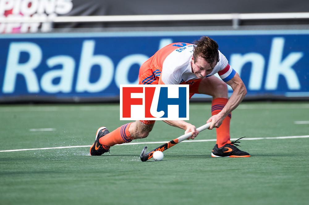 BREDA - Seve van Ass (Ned)   tijdens Nederland- India (1-1) bij  de Hockey Champions Trophy.  COPYRIGHT KOEN SUYK