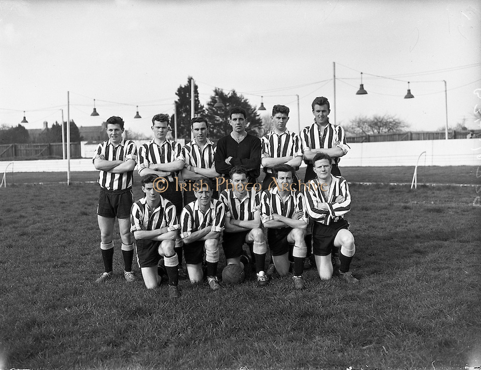 27/03/1960<br /> 03/27/1960<br /> 27 March 1960<br /> Soccer, League of Ireland: Limerick v Transport at Harold's Cross, Dublin. The Transport team.
