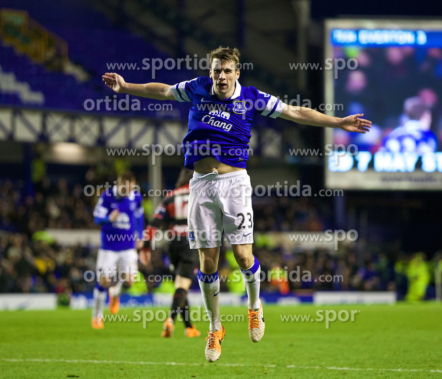 04.01.2014, Goodison Park, Liverpool, ENG, FA Cup, FC Everton vs Queens Park Rangers, 3. Runde, im Bild Everton's Seamus Coleman celebrates scoring the fourth goal against Queens Park Rangers // during the English FA Cup 3rd round match between Everton FC and Queens Park Rangers at the Goodison Park in Liverpool, Great Britain on 2014/01/04. EXPA Pictures &copy; 2014, PhotoCredit: EXPA/ Propagandaphoto/ David Rawcliffe<br /> <br /> *****ATTENTION - OUT of ENG, GBR*****