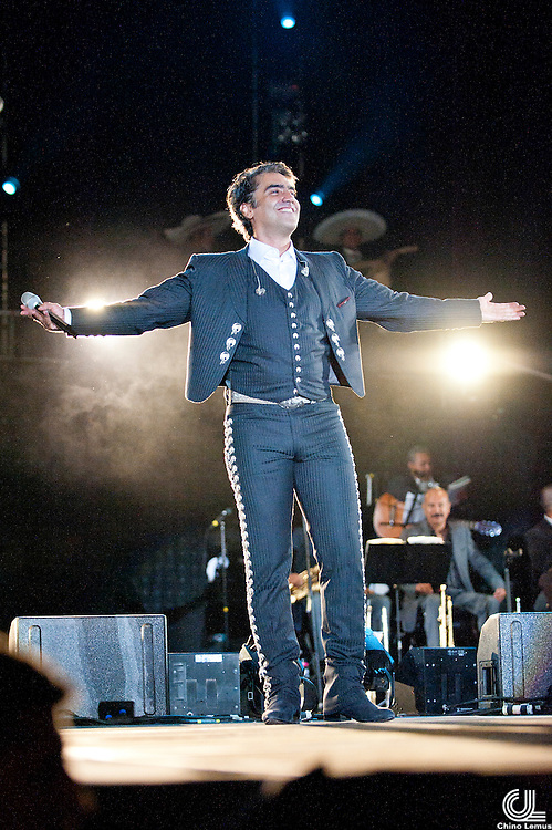 Alejandro Fernandez performs at La minerva in Guadalajara Jalisco