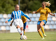 FODBOLD: Sandra Nielsen (NFC/VIF) presses af Cecilie Madsen (Ølstykke FC) under kampen i Sjællandsserien mellem Ølstykke FC og Nykøbing/Vordingborg den 7. september 2019 på Ølstykke Stadion. Foto: Claus Birch