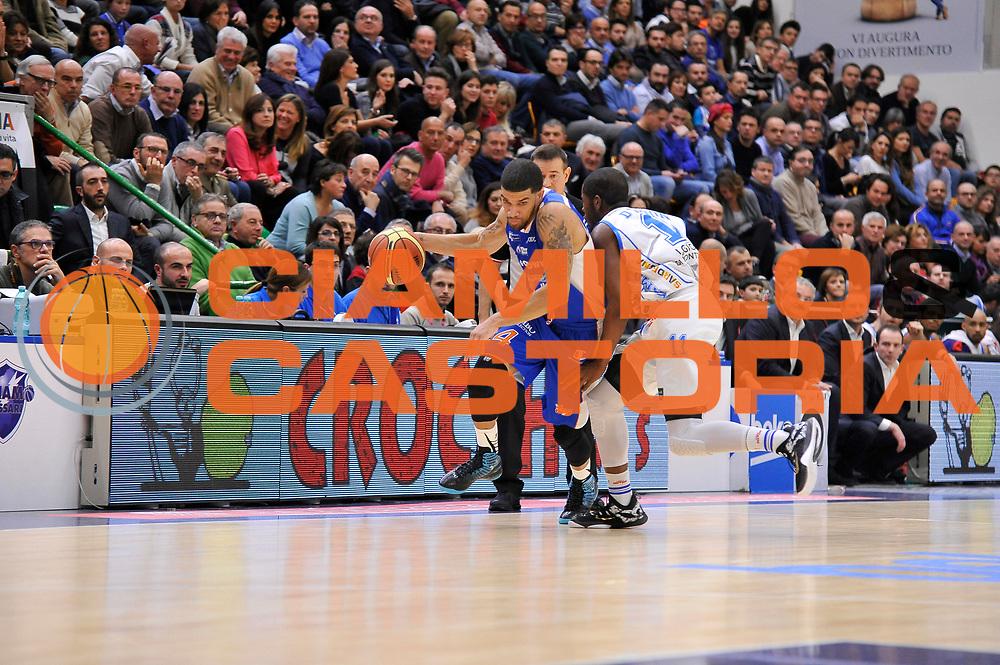 DESCRIZIONE : Brindisi  Lega A 2014-15 Dinamo Banco di Sardegna Sassari - Acqua Vitasnella Cant&ugrave;<br /> GIOCATORE : Abass Awudu Abass<br /> CATEGORIA : Palleggio<br /> SQUADRA : Acqua Vitasnella Cantu'<br /> EVENTO : Lega A 2014-2015<br /> GARA : Dinamo Banco di Sardegna Sassari - Acqua Vitasnella<br /> DATA : 28/02/2015<br /> SPORT : Pallacanestro<br /> AUTORE : Agenzia Ciamillo-Castoria/C.Atzori<br /> Galleria : Lega Basket A 2014-2015<br /> Fotonotizia : Dinamo Banco di Sardegna Sassari - Acqua Vitasnella<br /> Predefinita :