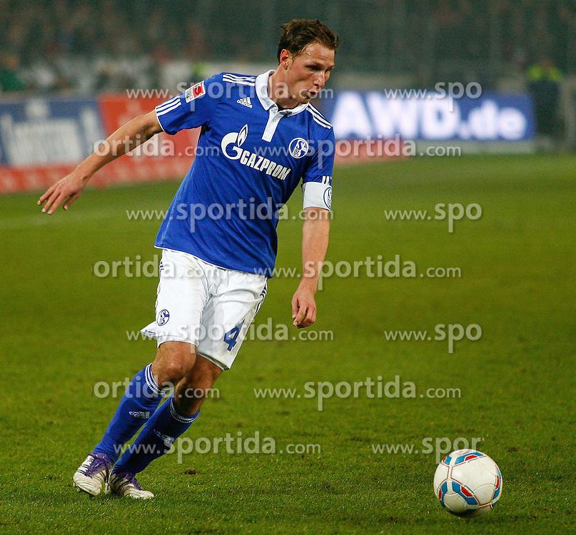 06.11.2011, AWD-Arena, Hannover, GER, 1.FBL, Hannover 96 vs FC Schalke 04, im Bild  Benedikt Hoewedes (Schalke #4)  .// during the match from GER, 1.FBL, Hannover 96 vs  FC Schalke 04 on 2011/11/06, AWD-Arena, Hannover, Germany. .EXPA Pictures © 2011, PhotoCredit: EXPA/ nph/  Schrader       ****** out of GER / CRO  / BEL ******
