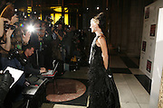 Daphne Guinness, The British Fashion Awards  2006 sponsored by Swarovski . Victoria and Albert Museum. 2 November 2006. ONE TIME USE ONLY - DO NOT ARCHIVE  © Copyright Photograph by Dafydd Jones 66 Stockwell Park Rd. London SW9 0DA Tel 020 7733 0108 www.dafjones.com