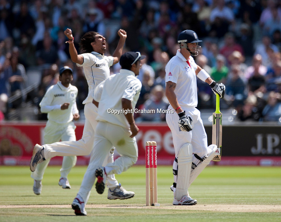 Kevin Pietersen out to Ishant Sharma (left) for one run during the first npower Test Match between England and India at Lord's Cricket Ground, London.  Photo: Graham Morris (Tel: +44(0)20 8969 4192 Email: sales@cricketpix.com) 24/07/11