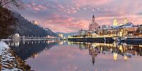 Dreiflüssestadt Passau im Winter. Drei Flüsse treffen mitten in Passau zusammen: Aus dem Westen kommt die blaue Donau, aus dem Süden der grüne Inn und aus dem Norden die schwarze Ilz.