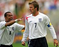 FRANKFURT,DEUTSCHLAND,10.JUN.06 - FUSSBALL - FIFA Weltmeisterschaft 2006, England vs Paraguay  , ENG vs PAR. Bild zeigt den Jubel von Ashley Cole und David Beckham (ENG)..  Foto: Digitalsport<br /> <br /> Norway only