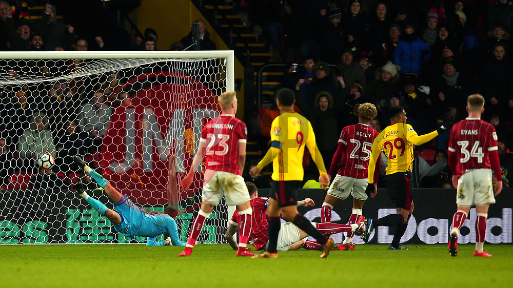 Etienne Capoue of Watford scores a goal to make it 3-0 - Mandatory by-line: Robbie Stephenson/JMP - 06/01/2018 - FOOTBALL - Vicarage Road - Watford, England - Watford v Bristol City - Emirates FA Cup third round proper