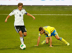 15.10.2013, Friends Arena, Stockholm, SWE, FIFA WM Qualifikation, Schweden vs Deutschland, Gruppe C, im Bild Germany 16 Philipp Lahm and Sverige 19 Alexander Kacaniklic // during the FIFA World Cup Qualifier Group C Match between Sweden and Germany at the Friends Arena, Stockholm, Sweden on 2013/10/15. EXPA Pictures � 2013, PhotoCredit: EXPA/ PicAgency Skycam/ Sami Grahn<br /> <br /> ***** ATTENTION - OUT OF SWE *****