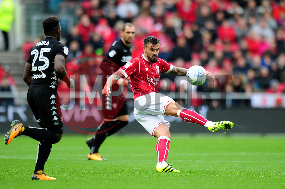 Marlon Pack of Bristol City - Mandatory by-line: Dougie Allward/JMP - 21/10/2017 - FOOTBALL - Ashton Gate Stadium - Bristol, England - Bristol City v Leeds United - Sky Bet Championship