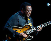 George Benson at Knights Theater