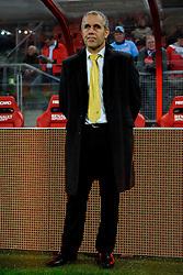 23-10-2009 VOETBAL: FC UTRECHT - RODA: UTRECHT<br /> Utrecht wint met 2-1 van Roda / Coach Harm van Veldhoven<br /> ©2009-WWW.FOTOHOOGENDOORN.NL