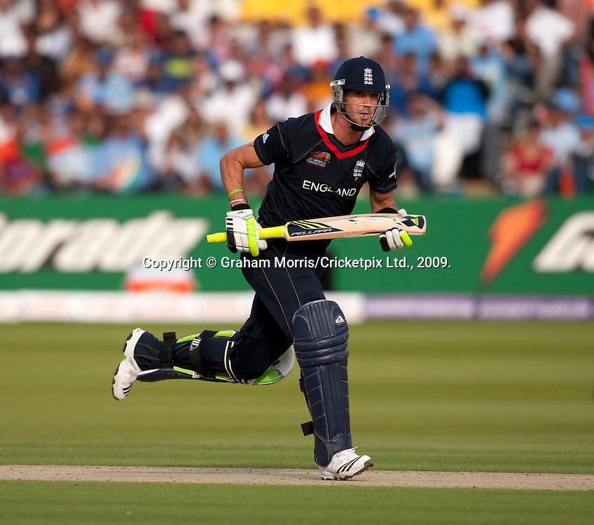 Kevin Pietersen bats during the ICC World Twenty20 Cup match between India and England at Lord's. Photo © Graham Morris (Tel: +44(0)20 8969 4192 Email: sales@cricketpix.com)