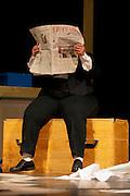 """""""Au printemps les girafes fleurissent"""" est un spectacle touchant élaboré dans l'atelier de théâtre pour personnes avec handicap de Romont. Le théâtre permet aux comédiens de se montrer et d'être vus pour qui ils sont : des personnes à part entière. Mis en scène par Thierry Jacquier, Ana Tordera et Céline Luisier. Nuithonie mai 2011. Menschen mit Behinderung machen Theater - und zeigen was sie sind: vollwertige Menschen. Théâtre de l'au de l'astre 2011. © Romano P. Riedo .."""