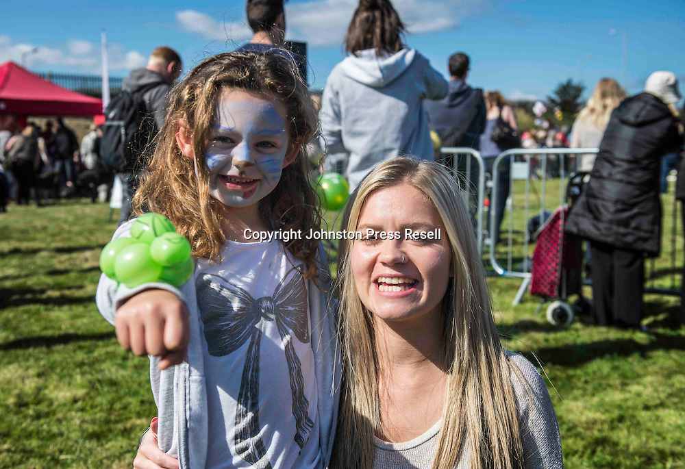 Murrin McFarlane with aunt Jade Hall<br /> <br /> Edinburgh Cat and Dog Home open day. <br /> 6th September 2015<br /> <br /> picture by Alex Hewitt<br /> alex.hewitt@gmail.com<br /> 07789 871 540