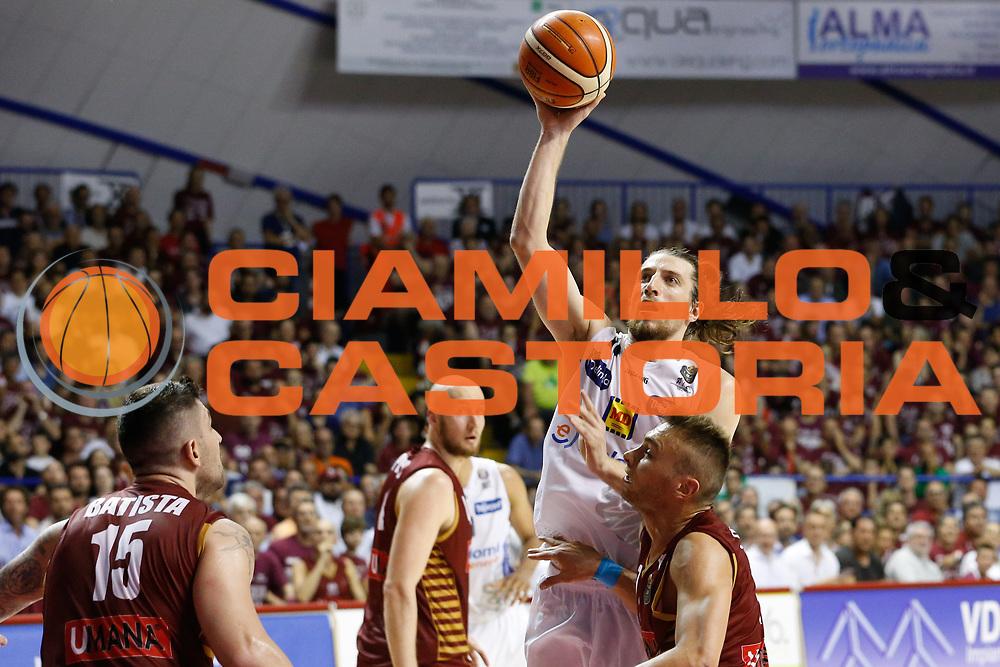Andres Pablo Forray<br /> Umana Reyer Venezia - Dolomiti Energia Aquila Basket Trento<br /> Lega Basket Serie A 2016/17 Finali Gara 02<br /> Venezia, 12/06/2017<br /> Foto Ciamillo-Castoria / M. Brondi