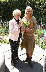 Left to right, GLORIA HUNNIFORD and ANNEKA RICE at the 2005 RHS Chelsea Flower Show on 23rd May 2005<br /><br />NON EXCLUSIVE - WORLD RIGHTS