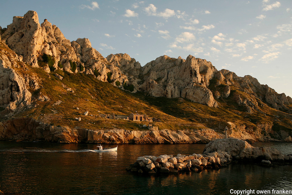boats at the Baie des Singes (Monkey Bay)near Marseille - photograph by Owen Franken