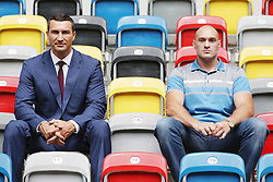 21.07.2015, Esprit Arena, Düsseldorf, GER, WBA Boxkampf, Wladimir Klitschko vs Tyson Fury, Pressekonferenz, im Bild Wladimir Klitschko und Tyson Fury auf der Tribuene der ESPRIT Arena // during a pressconference of the WBA fight between Wladimir Klitschko and Tyson Fury at Esprit Arena in Düsseldorf, Germany on 2015/07/21. EXPA Pictures © 2015, PhotoCredit: EXPA/ Eibner-Pressefoto/ Schueler<br /> <br /> *****ATTENTION - OUT of GER*****