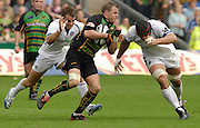 Northampton, GREAT BRITAIN, Saints, Robbie KYDD, looks for the gap between Olly BARKLEY [left] and Danny GREWCOCK during the  Northampton Saints vs Bath Rugby, Guinness Premiership Rugby match, at  Franklin's Gardens, Northampton, ENGLAND on 16/09/2006 [Photo, Peter Spurrier/Intersport-images].
