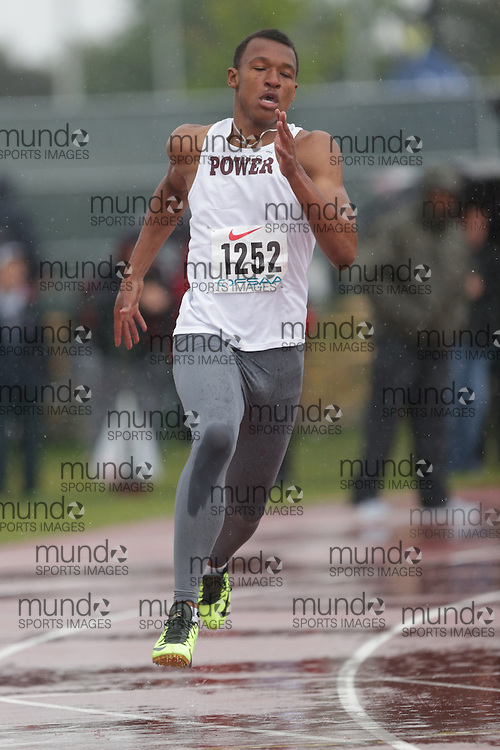 Cameron Nurse of Michael Power/St.Joseph-Etobic competes in the 400m heats at the 2013 OFSAA Track and Field Championship in Oshawa Ontario, Thursday,  June 6, 2013.<br /> Mundo Sport Images / Sean Burges