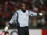 Torwart Kelvin Jack    (Trinidad und Tobago) am Ball; Playoffs, Playoff, Play Offs, <br /> Trinidad and Tobago , <br /> Norway only