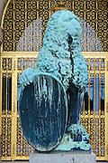 Neues Rathaus, Bronzelöwe von Georg Wrba, Dresden, Sachsen, Deutschland. .New guildhall, lion by Georg Wrba, Dresden, Germany