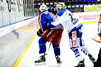 Ishockey , 19. Januar 2014, GET-Liga ,<br /> Vålerenga Hockey - Sparta Warriors<br /> Dion Knelsen slår Alexander Bonsaksen i bakhhodet <br /> Foto: Sjur Stølen , Digitalsport
