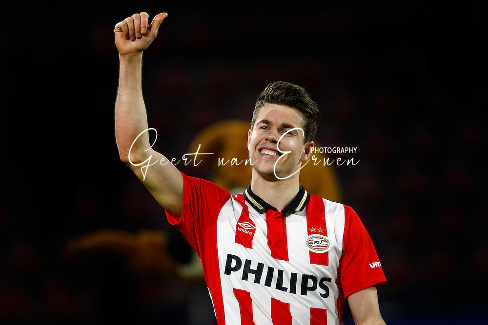 09-04-2016 VOETBAL:PSV:WILLEM II:EINDHOVEN<br /> Marco van Ginkel van PSV viert de overwinning na afloop van de wedstrijd<br /> Foto: Geert van Erven