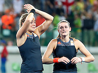 RIO DE JANEIRO -  Teleurstelling bij Maartje Paumen (Ned) en Lidewij Welten (Ned)  na de finale tussen de dames van Nederland en  Groot-Brittannie (3-3) in het Olympic Hockey Center tijdens de Olympische Spelen in Rio.  GB wint na shoot outs.  COPYRIGHT KOEN SUYK