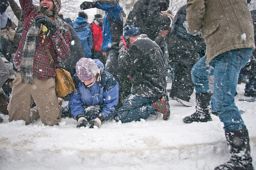 On February 6, 2010, some 2,000 people met at Dupont Circle in Washington D.C. for a snowball fight organized online after over two feet of snow fell in the region during blizzard of 2010. The event was promoted via Facebook and Twitter.