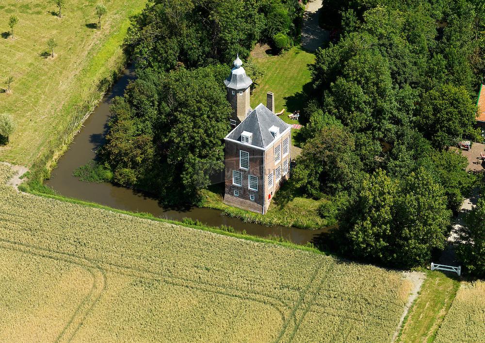 20110711 0014 Kasteel 't Munnikenhof gelegen buiten Grijpskerke dateert uit de 17e eeuw en was ooit de woning van Jacob Cats