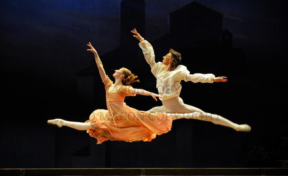 04.01.2011 Rudolf Nureyev's choregraphic production of Romeo & Juliet for the English National Ballet at The London coliseum UK Romeo Vadim Muatagirov Juliet Daria Klimentova
