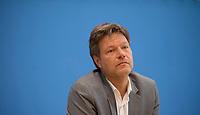DEU, Deutschland, Germany, Berlin, 27.05.2019: Dr. Robert Habeck, Bundesvorsitzender von BÜNDNIS 90/DIE GRÜNEN, in der Bundespressekonferenz zum Ausgang der Europawahl.