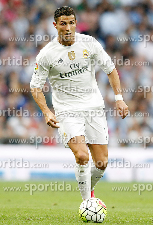 26.09.2015, Estadio Santiago Bernabeu, Madrid, ESP, Primera Division, Real Madrid vs Malaga CF, 6. Runde, im Bild Real Madrid's Cristiano Ronaldo // during the Spanish Primera Division 6th round match between Real Madrid and Malaga CF at the Estadio Santiago Bernabeu in Madrid, Spain on 2015/09/26. EXPA Pictures &copy; 2015, PhotoCredit: EXPA/ Alterphotos/ Acero<br /> <br /> *****ATTENTION - OUT of ESP, SUI*****