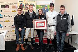 Julie De Deken (midden) nieuwe VLP talent van het jaar  Vlnr. Sarah Van Hasselt (talent vh jaar 2010), Niels Bruynseels (talent vh jaar 2009), en de (weede geplaatsten in de verkiezing talent vh jaar 2011, Jody Bosteels en Jeroen Appelen.<br /> Jumping Mechelen 2010<br /> © Dirk Caremans<br /> .<br /> .<br /> (VLP:Vlaamse Liga Paardensport)