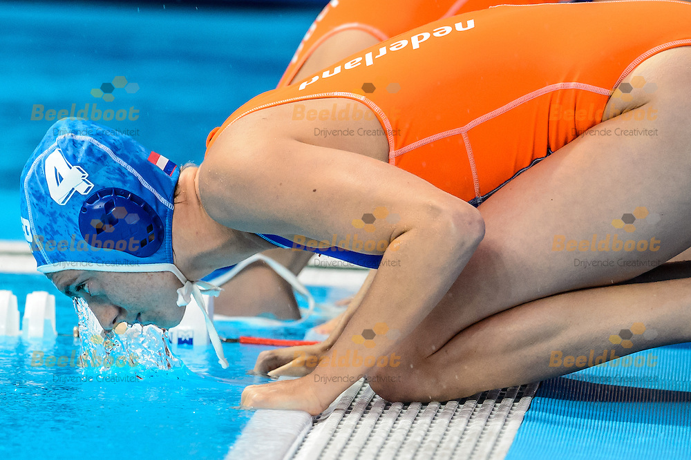 01-08-2015: Waterpolo: Kazachstan v Nederland: Kazan<br /> <br /> Sabrina van der Sloot of team Netherlands<br /> <br /> Waterpolo match between ladies of Kazakhstan and The Netherland during the 16th FINA World Championships 2015 in Kazan