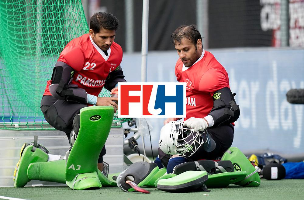 BREDA - Rabobank Hockey Champions Trophy<br /> Australia - Pakistan<br /> Photo: BUTT Imran and Amjid Ali.<br /> COPYRIGHT WORLDSPORTPICS FRANK UIJLENBROEK