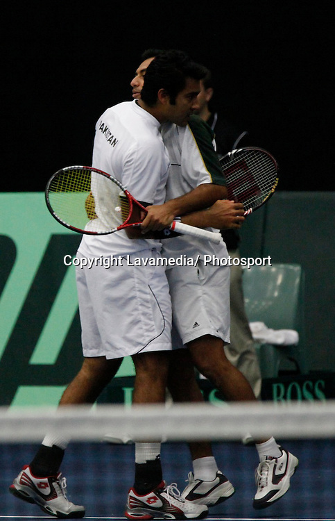 Michael Venus, Marcus Daniell, (NZ) v Aisam Qureshi, Aqeel Khan, (Pak)  during the doubles match of the  New Zealand v Pakistan Davis Cup tennis Tie in Hawera, New Zealand on Saturday 10 July 2010.