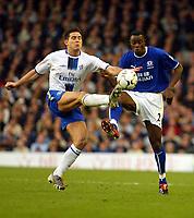 Photo: Scott Heavey.<br />Everton v Chelsea. FA Barclaycard Premiership. 01/11/2003.<br />Frank Lampard puts a toe ahead of Joseph Yobo