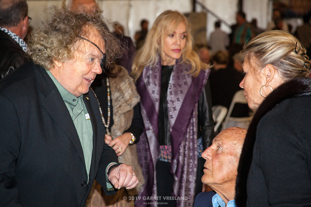 Dale Chihuly, Sir Stirling Moss and Lady Susan Moss, Planes and Cars at the Santa Fe Airport, 2013 Santa Fe Concorso.