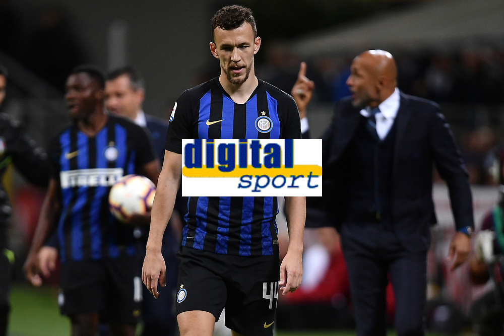 Ivan Perisic of Internazionale looks down during the Serie A 2018/2019 football match between Fc Internazionale and AC Milan at Giuseppe Meazza stadium Allianz Stadium, Milano, October, 21, 2018 <br />  Foto Andrea Staccioli / Insidefoto