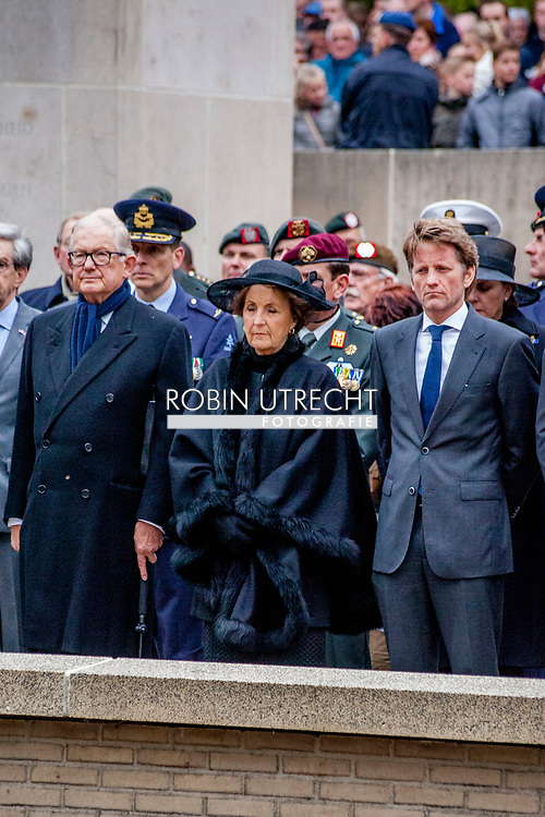 RHENEN - Prinses Margriet en Pieter van Vollenhoven en pieter crhistiaan zijn aanwezig op Militair Ereveld Grebbeberg tijdens Dodenherdenking op de Grebbeberg. COPYRIGHT JESPER DRENTH <br /> <br /> 04-05-2017 Rhenen Princess Margriet and Pieter van Vollenhoven and Prince Pieter-Christiaan attend the 71st year commemoration of WWII at the Militair Ereveld Grebbeberg in Rhenen.