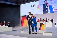 DEU, Deutschland, Germany, Leipzig, 22.11.2019: CDU-Generalsekretär Paul Ziemiak und CDU-Chefin Annegret Kramp-Karrenbauer beim Bundesparteitag der CDU in der Messe Leipzig.