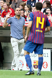 26.07.2011, Allianz Arena, Muenchen, GER, Audi Cup 2011,  FC Barcelona vs SC Internacional de Porto Alegre, im Bild Josep Guardiola (Coach Barcelona) gibt anweisungen an Javier Mascherano (Barcelona #14)  // during the Audi Cup 2011,  FC Barcelona vs SC Internacional de Porto Alegre , on 2011/07/26, Allianz Arena, Munich, Germany, EXPA Pictures © 2011, PhotoCredit: EXPA/ nph/  Straubmeier       ****** out of GER / CRO  / BEL ******